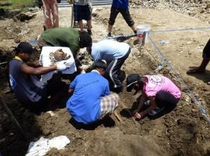 トラック諸島トル島での遺骨収容作業