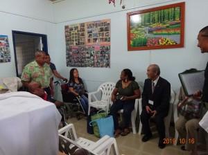 コロール市内の病院を訪問し、車椅子を寄贈=パラオ諸島で