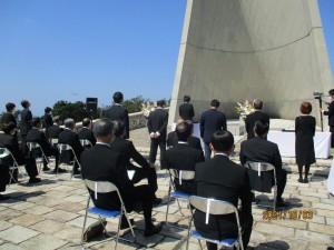 青年部を代表して追悼のことばを読み上げる北浦基弘部長
